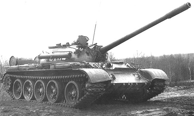 Танк Т-55А. Вид на правый борт.