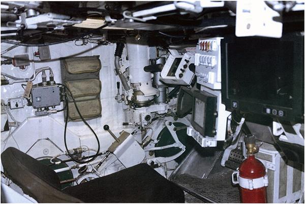 Вид на место водителя с места наводчика т-14